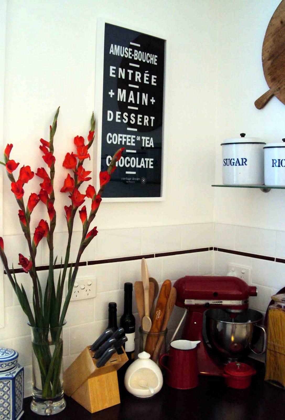 http://1.bp.blogspot.com/_NjcVQsF1eIo/THip90tvERI/AAAAAAAABe8/TqBa5Z83hSA/s1600/Yardage+Design+FK+2+-+kitchen+art.jpg