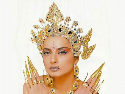 bollywood actresses wallpapers. Bollywood Actress Rekha