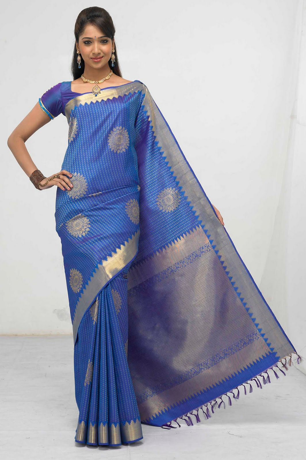 26 Best Wedding Collections images | Silk sarees online ...