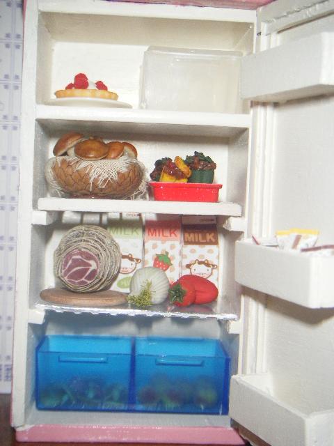 la casa rossa il frigo rosa the pink fridge. Black Bedroom Furniture Sets. Home Design Ideas