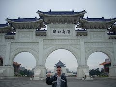 Matt at the Shek Memorial Taipei