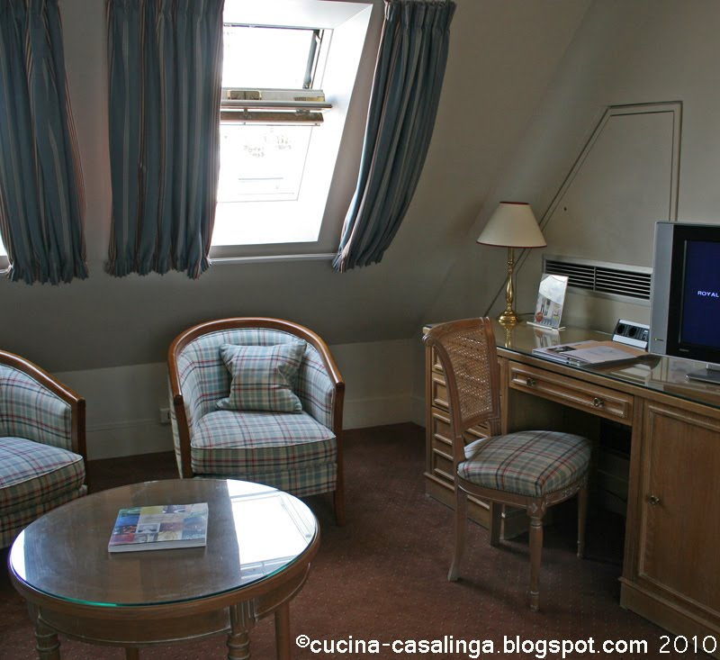 cucina casalinga f paris hotel royal st honor. Black Bedroom Furniture Sets. Home Design Ideas