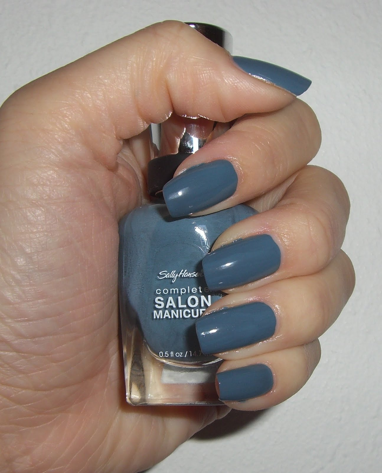 schni's beauty blog: sally hansen graygray