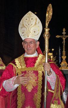 http://1.bp.blogspot.com/_Noz6LLRH0_g/Sdtx9LkLY1I/AAAAAAAABA0/1tvSkXXJjCs/s1600/Cardinal_in_Chartres.jpg
