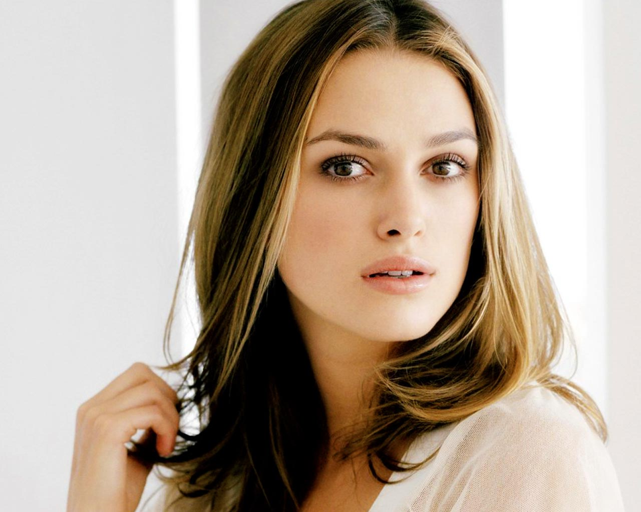 keira knightley6 You know,sometimes I wonder if Kiara Knightly is a nude model. .
