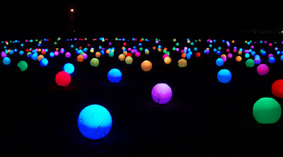 10.000 Changing-Color Light Globes (4) 5
