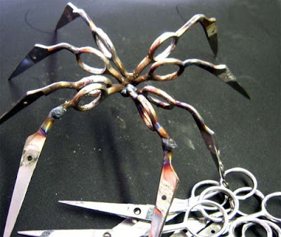 Sculptures Created From Scissors (14) 7