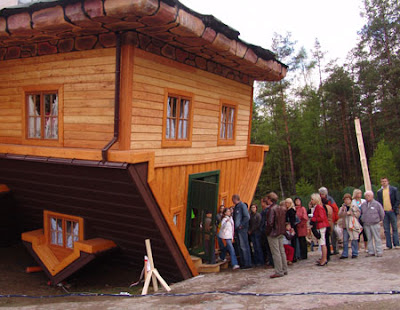 Upside Down House of  Daniel Czapiewski (8) 1 