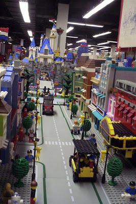 Lego Disney's Main Street (5) 3