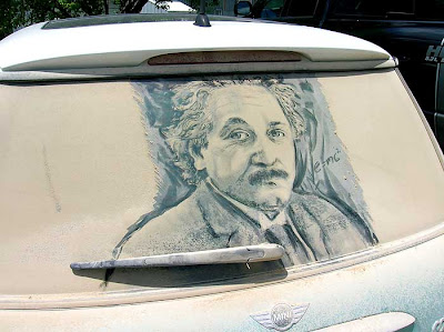 Painting on car windows using dirt (11) 6