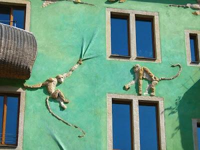 Impressive Court of Kunsthof Dresden (14) 4