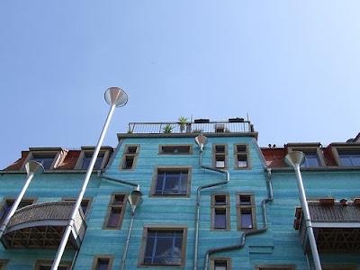 Impressive Court of Kunsthof Dresden (14) 2