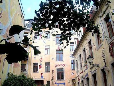 Impressive Court of Kunsthof Dresden (14) 9