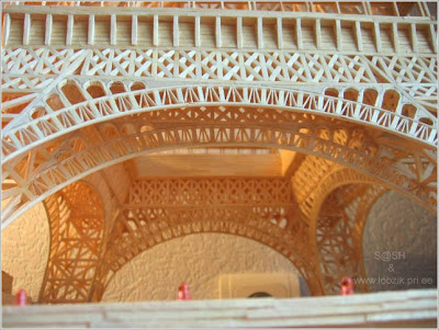 Eiffel Tower made from matchsticks (4) 3