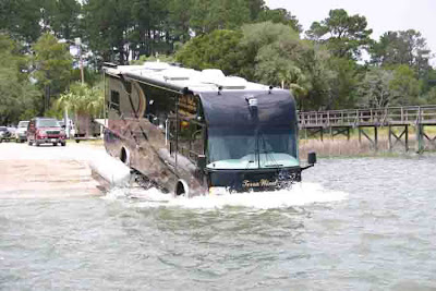 Luxurious Amphibious Motor Coach and Yacht (6) 2
