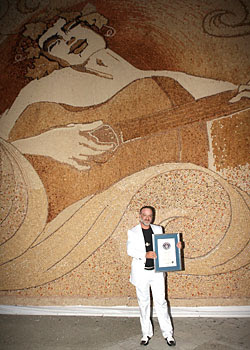 World's Biggest Cork Mosaic (7) 6