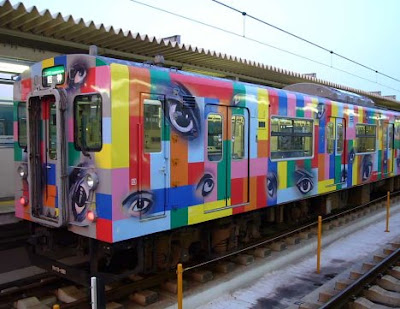 painted train (21) 19