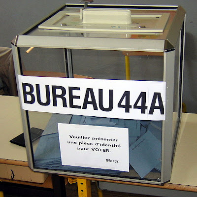 Ballot Boxes And Electronic Voting Machines From All Over The World (27) 9