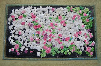 Roses Eggshell Mosaic