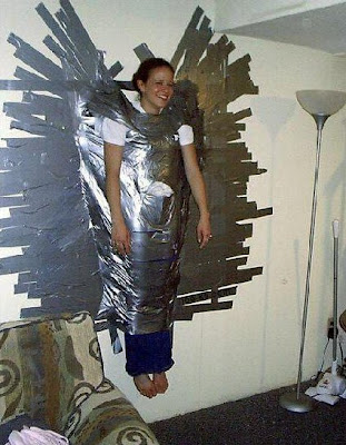 Cool and Creative Uses of Duct Tape (37) 15
