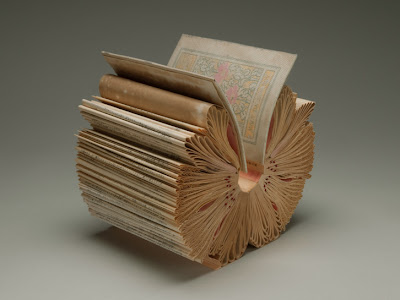 11 Creative Book Sculptures (11) 3
