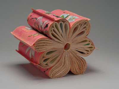 11 Creative Book Sculptures (11) 1