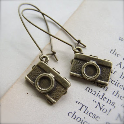 18 Creative and Cool Camera Earrings (18) 14
