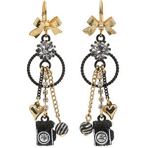 18 Creative and Cool Camera Earrings (18) 16