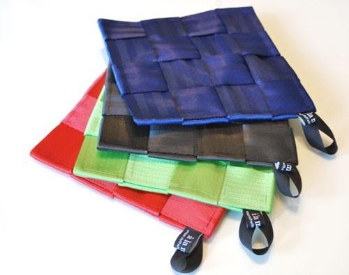 Создаем поделки из кожи своими руками: сумочки, брелки