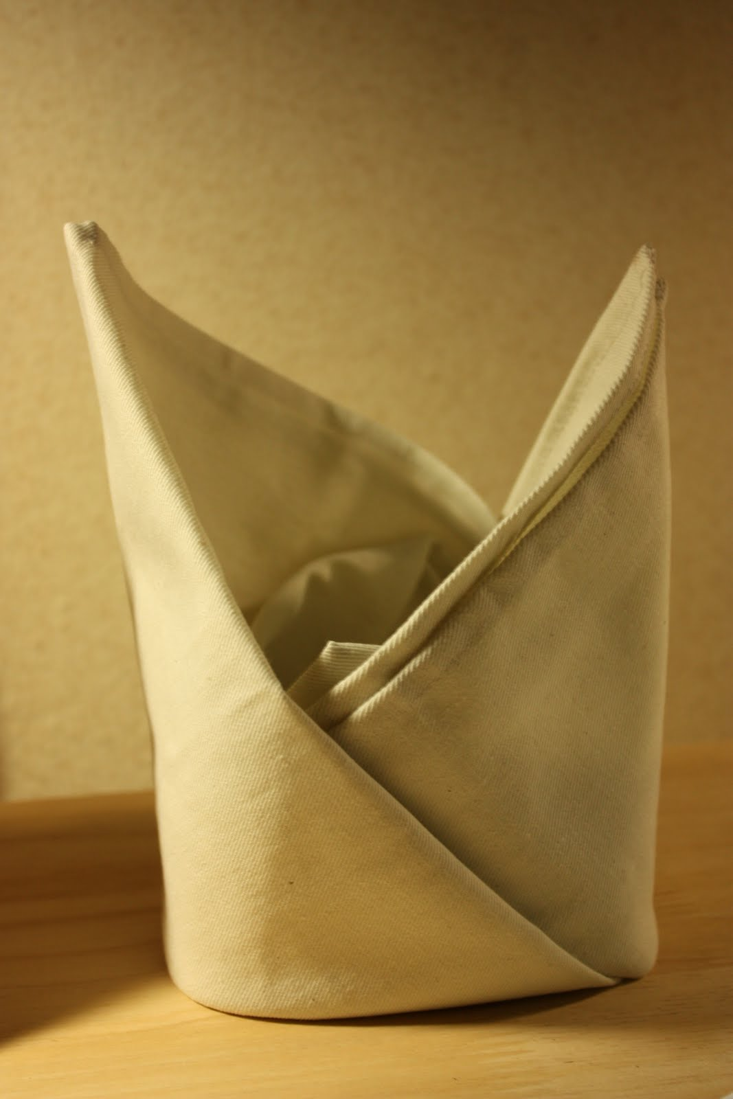 Table Napkin Folding : ... in Thai Art and Culture - Assignment 8: Table Napkin Folding Method