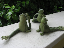 Yoga frogs!  Sooo cute!