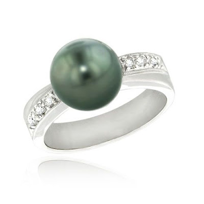 Black Tahitian Pearl and Diamond Ring