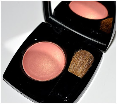 ... desses dois blushes, Chanel in Love Blush e Dolce&Gabbana Nude Blush: