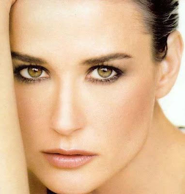 The seccret of the glowing skin and beauty of Demi Moore is leach therapy