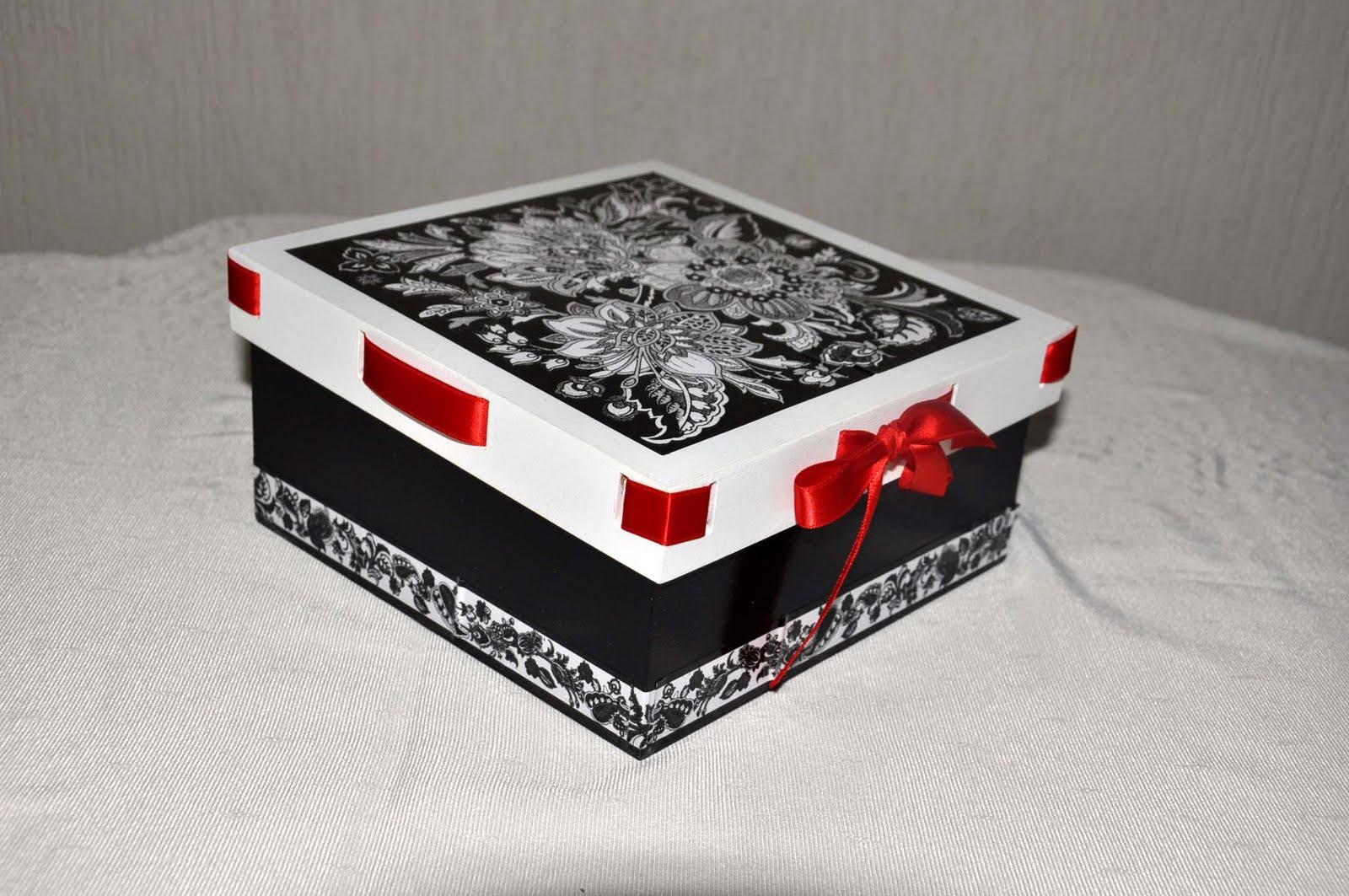 Blog da Márcia Storti: Caixas para presentes #830C0C 1600x1063