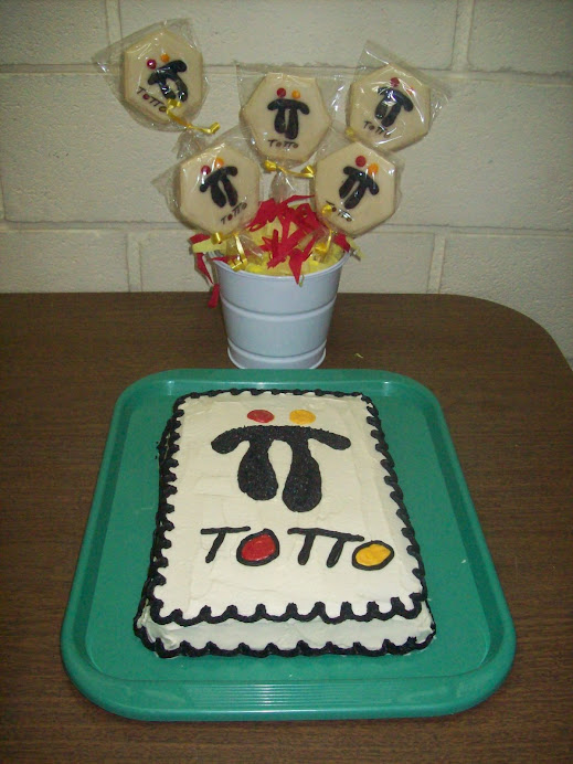 Pastel y galletas con logotipo