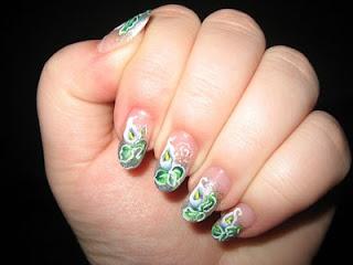 Unique Calla Lillies Manicure-3