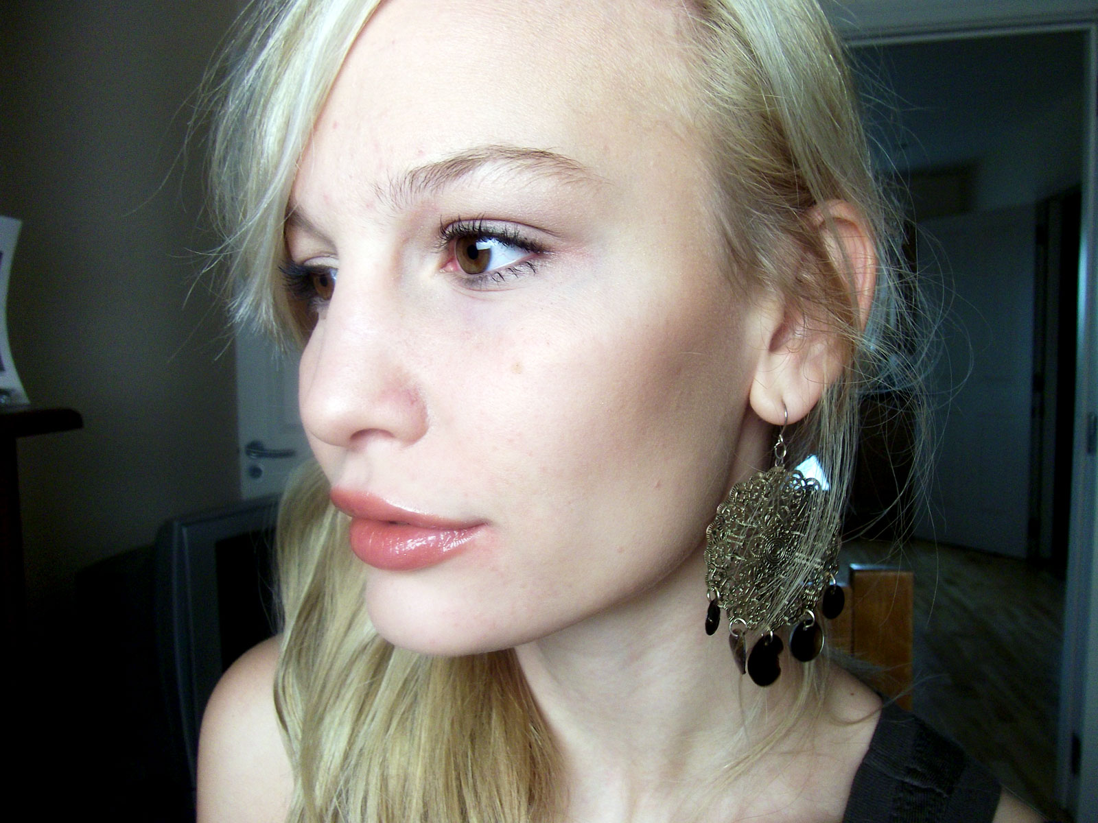 http://1.bp.blogspot.com/_NwQtJRkWjdo/TPuwS8jOF2I/AAAAAAAAGWo/xE0mCy0eJlk/s1600/Anna-Saccone-Profile.jpg