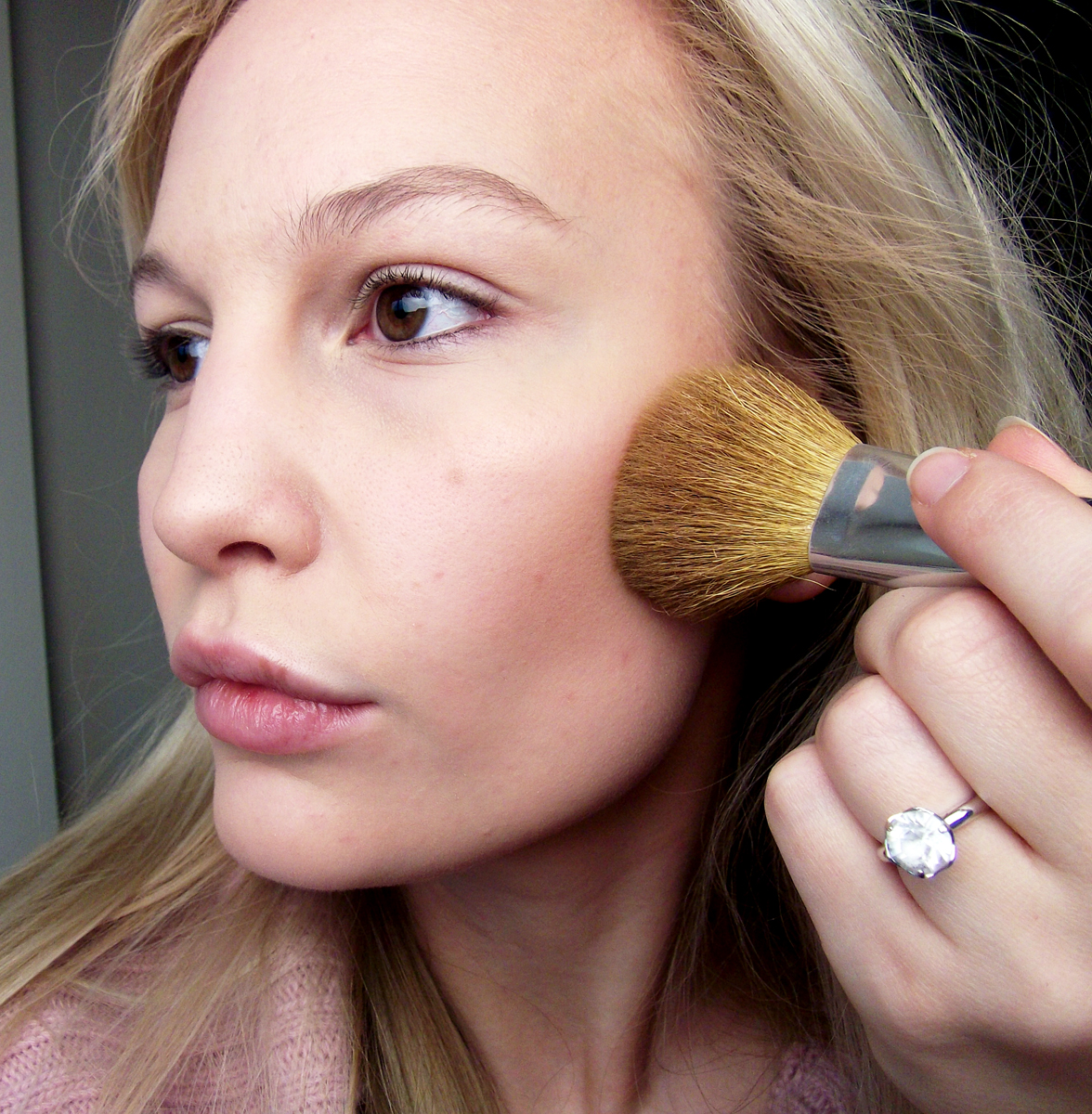 Using A Smaller Brush, Contour Your Cheekbones, Temples And Jawbone With A  Bronzer Of Your Choice I Use Bare Minerals Warmth