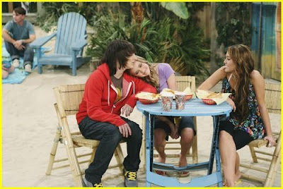 Hannah Montana Is Returning to Disney Channel: Our 5 ...