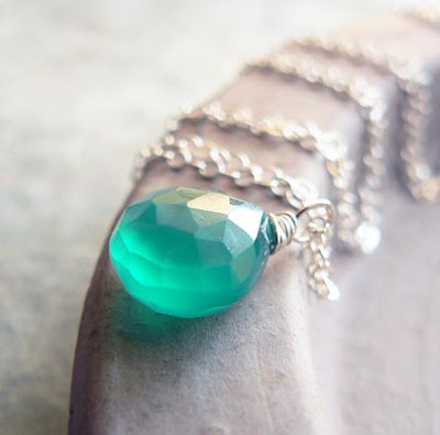 emerald green onyx drop necklace