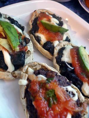 huitlacoche,sopes,mexican