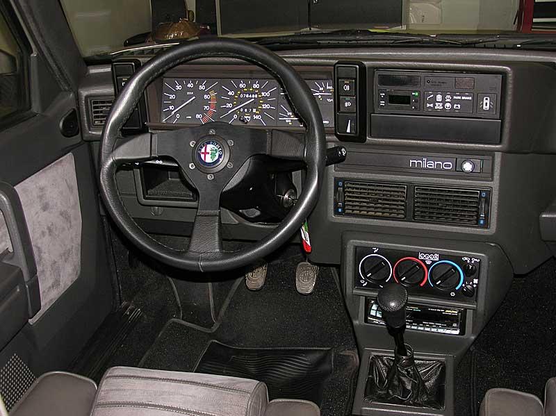 Car Tail Lights >> Luxury-X: Alfa Romeo 75 Milano