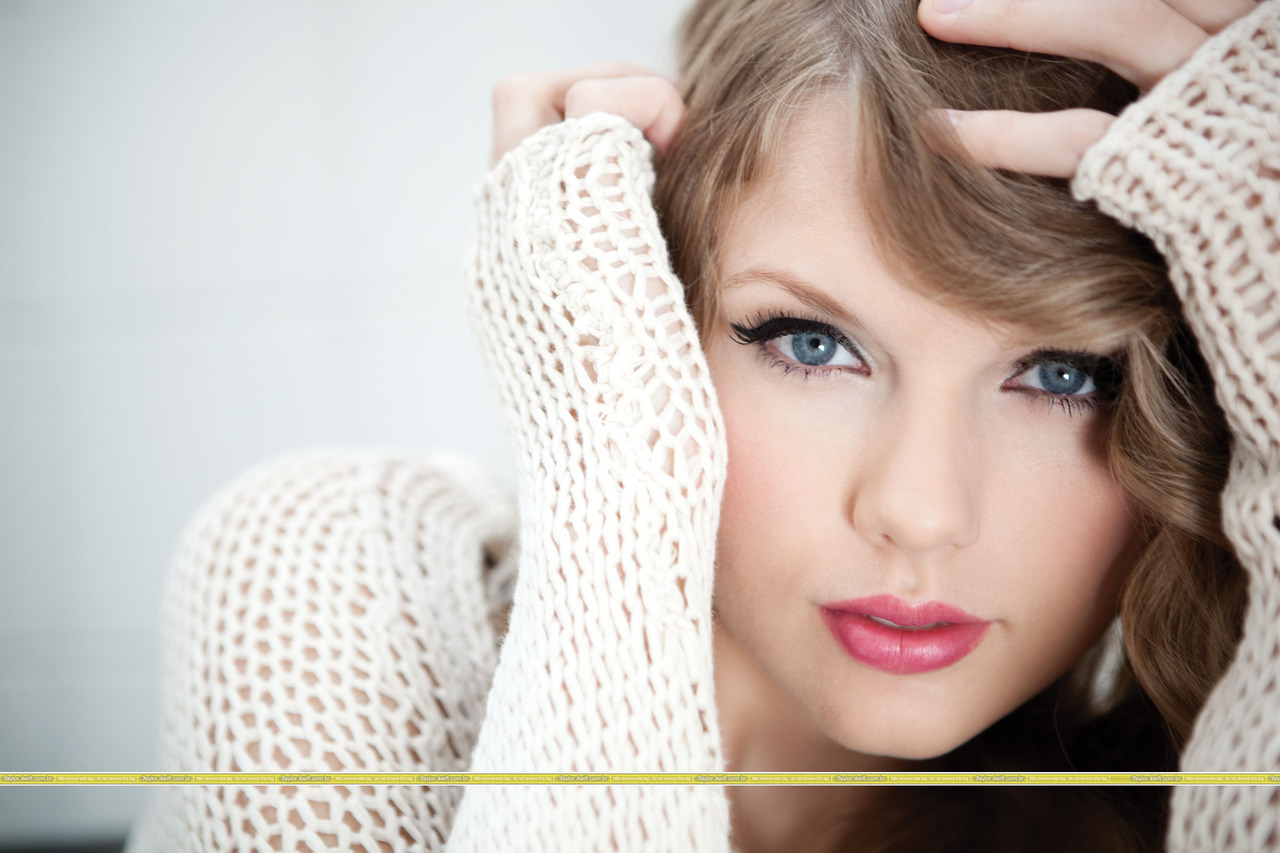 http://1.bp.blogspot.com/_O0v1GNzrYvA/TRyiK-EL6LI/AAAAAAAABbQ/B1-cMrepEGM/s1600/Taylor-Swift-Speak-Now-Photoshoot-taylor-swift-15628623-1280-853.jpg