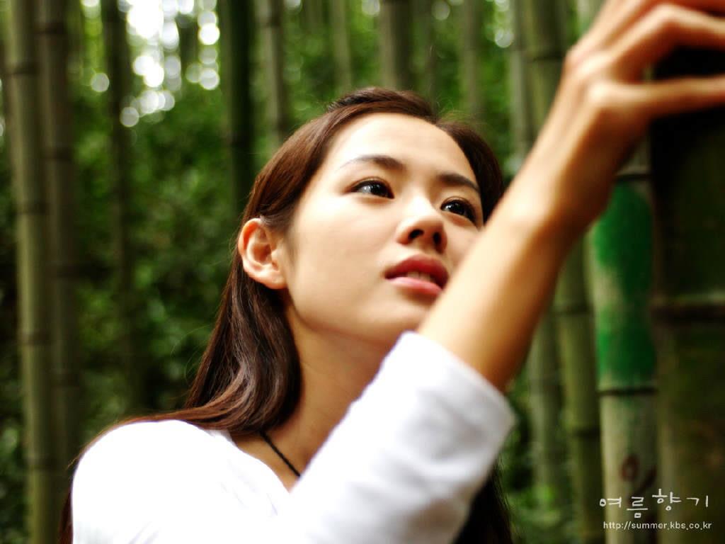 http://1.bp.blogspot.com/_O1PCP_7SSOE/TNqO7Fp9tEI/AAAAAAAAEiw/8n7LOZE5jxQ/s1600/Son_Ye_Jin_050043.jpg