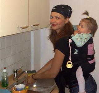 Με το μωρό στην πλάτη σε μάρσιππο αγκαλιάς - mei tai