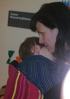 Με το μωρό μου στο Παίδων, περιμένοντας για ράμματα, μετά το πρώτο μας μικρο-ατύχημα