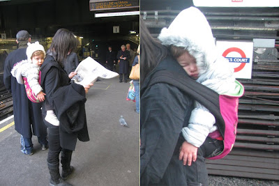 Το μωρό κοιμάται, αλλά το ταξίδι στο μετρό του Λονδίνου συνεχίζεται κανονικά!