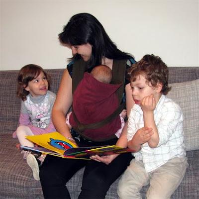 Διαβάζοντας με τρία παιδιά!