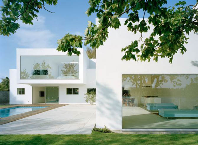 White architecture clean simple and pure awesome for Modern minimalist villa